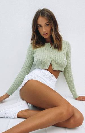 https://files.beginningboutique.com.au/20200522-Hywel+Button+Down+Cable+Knit2.mp4