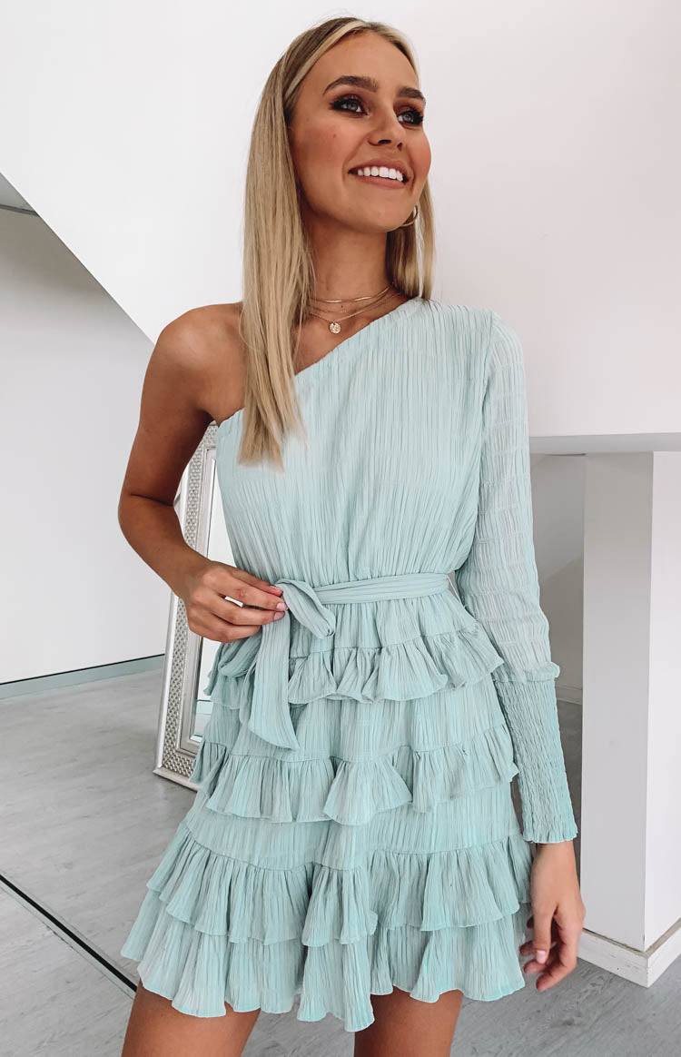 https://files.beginningboutique.com.au/Natasha+Dress+Sage.mp4