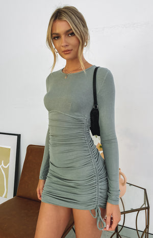 https://files.beginningboutique.com.au/20200715+-+Jamesy+Ruched+Side+Dress+Khaki.mp4