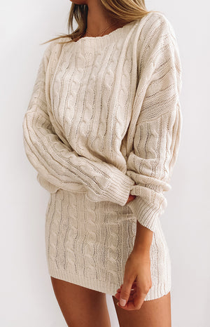 https://files.beginningboutique.com.au/20200506-Kiss+Off+Cable+Knit+Jumper+Beige.mp4