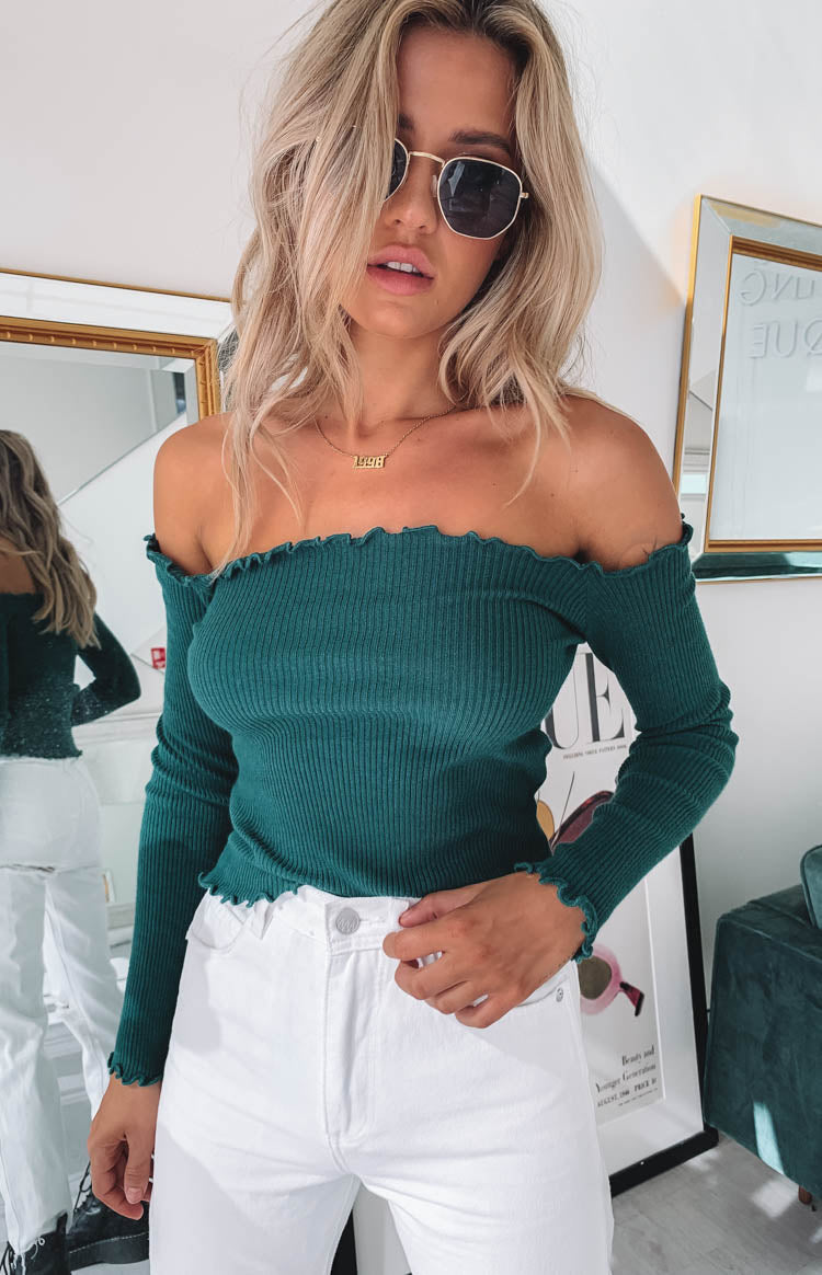 https://files.beginningboutique.com.au/Lorraine+Off+Shoulder+Knit+Green.mp4
