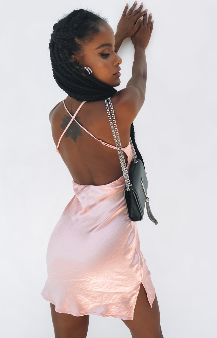 https://files.beginningboutique.com.au/20191220-Lyrie+Party+Dress+peach.mp4