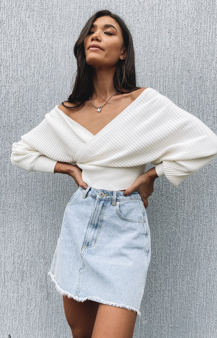 https://files.beginningboutique.com.au/20200219-MAXINE+KNIT+TOP+WHITE.mp4