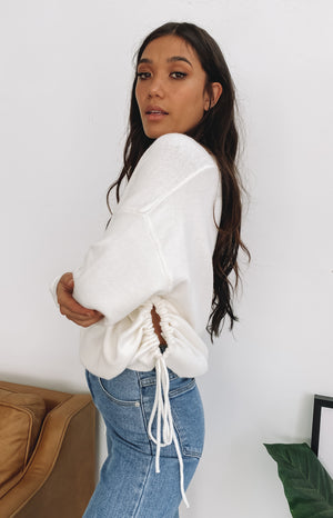 https://files.beginningboutique.com.au/20200429-Marlo+Ruched+knit+jumper+white1.mp4