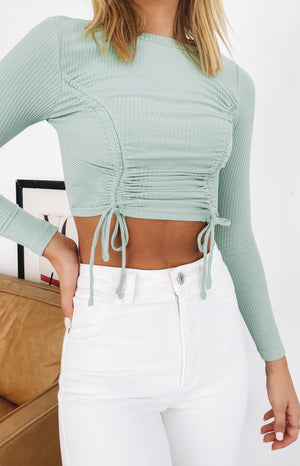 https://files.beginningboutique.com.au/20200603-aven+Long+Sleeve+Ruched+Top+Sage.mp4
