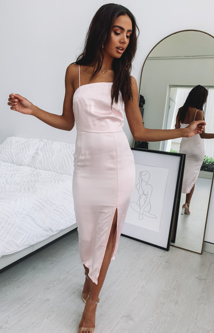 https://files.beginningboutique.com.au/Monarch+Asymmetrical+Midi+Dress+Baby+Pink.mp4