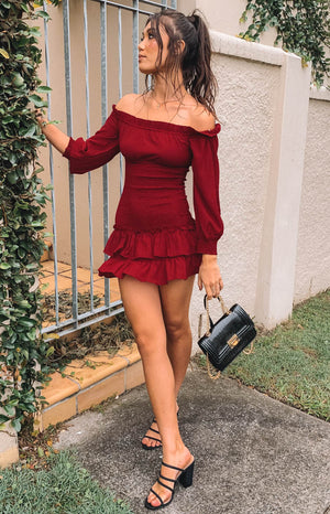 https://files.beginningboutique.com.au/Montreal+Off+Shoulder+Dress+Burgundy.mp4