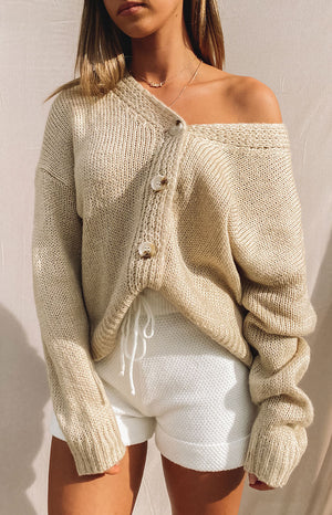 https://files.beginningboutique.com.au/20200504-Monty+knit+cardigan+beige.mp4