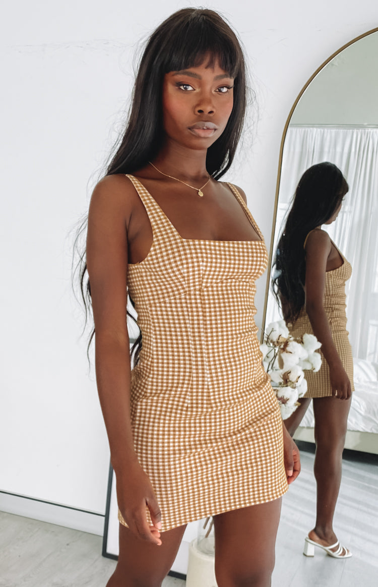 https://files.beginningboutique.com.au/20200701+-+Pebbles+Mini+Dress+Brown+Check.mp4