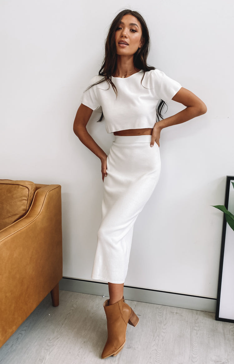 https://files.beginningboutique.com.au/20200330-Phoebe+Midi+Skirt+White+-+SA1638.mp4