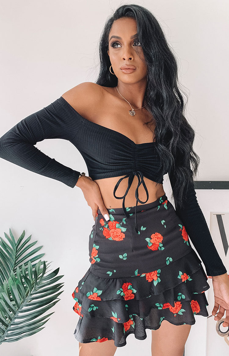 https://files.beginningboutique.com.au/Prancer+Skirt+Black+Floral.mp4