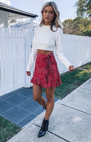 https://files.beginningboutique.com.au/Queenie+Skirt+Red+Print.mp4