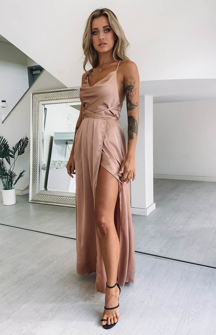 https://files.beginningboutique.com.au/Revive+Maxi+Dress+Champagne.mp4