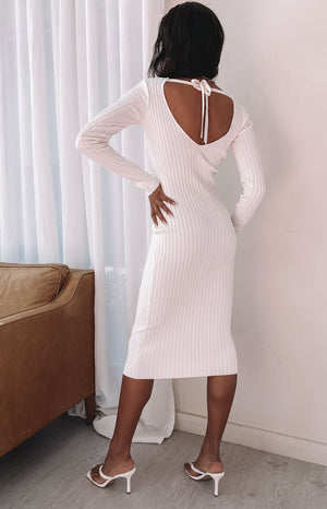 https://files.beginningboutique.com.au/202000803+-+Ripple+knit+dress+cream+.mp4