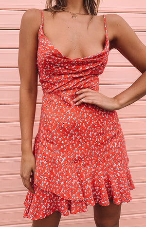 https://files.beginningboutique.com.au/Rosa+Dress+Coral+Red+Floral.mp4