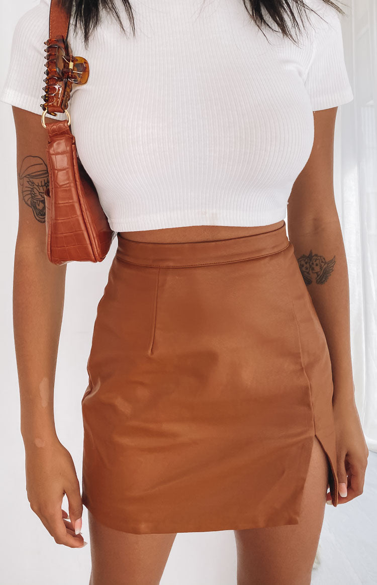 https://files.beginningboutique.com.au/202000805+-+Rosario+Split+Skirt+Camel+.mp4