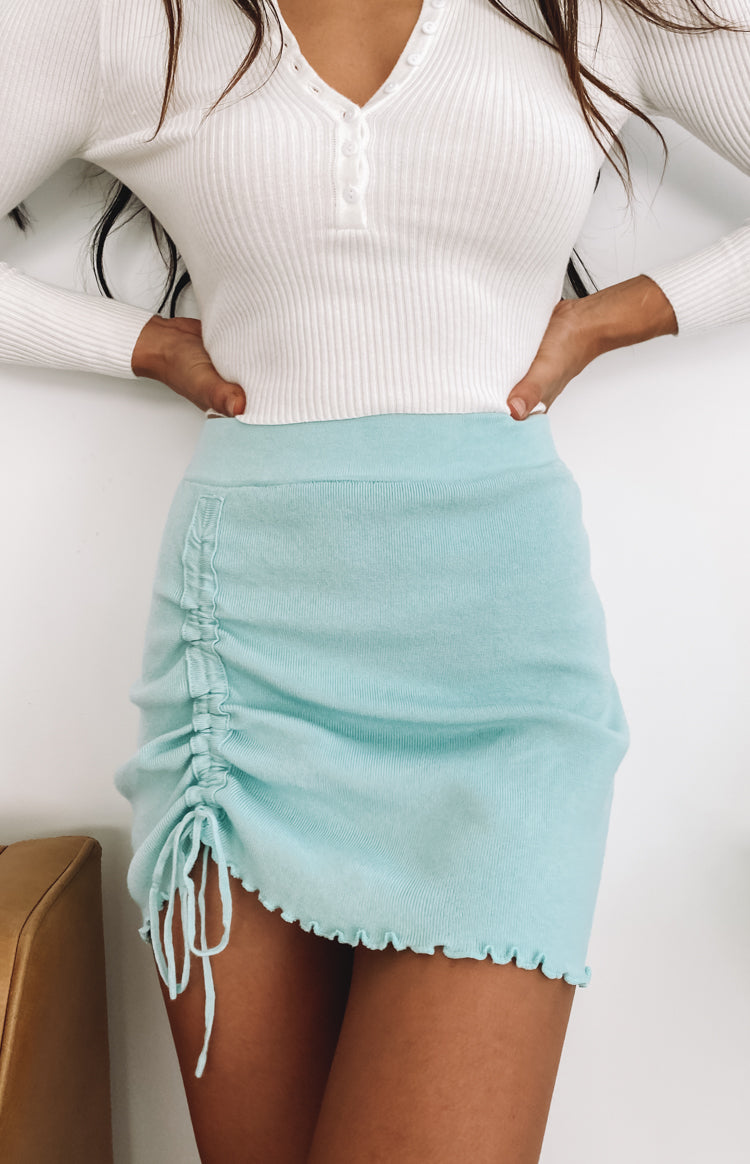 https://files.beginningboutique.com.au/20200429-Summer+Tide+Skirt+Blue.mp4