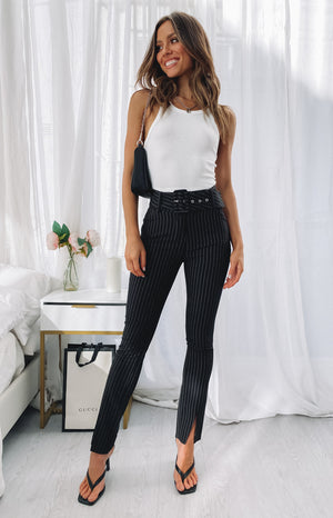 https://files.beginningboutique.com.au/20200619-Taylor+Suit+Pinstripe+Pants.mp4