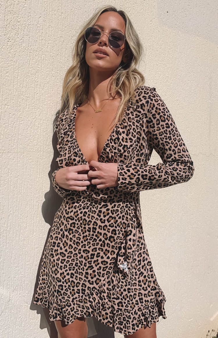 https://files.beginningboutique.com.au/Tebani+Ruffle+Dress+Leopard.mp4