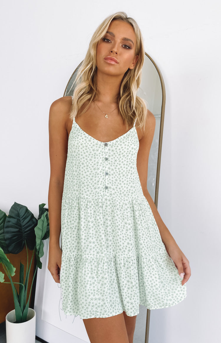 https://files.beginningboutique.com.au/20191210-green+floral+dress.mp4