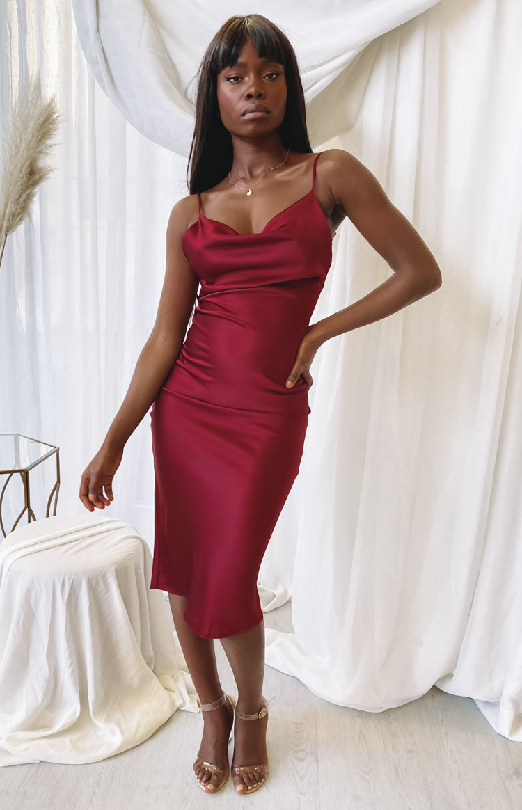 https://files.beginningboutique.com.au/20200701-schiffer+slip+midi+dress+wine.mp4