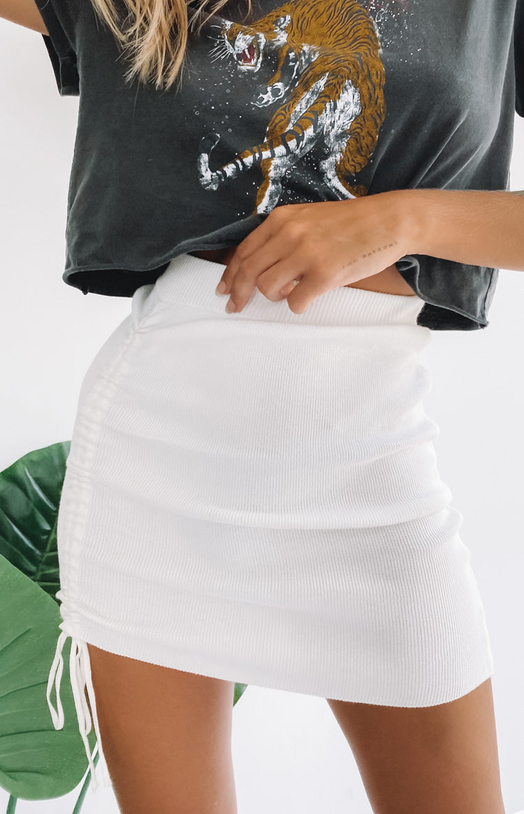 https://files.beginningboutique.com.au/20200205-Winehouse+Knit+Drawstring+Skirt+White.mp4