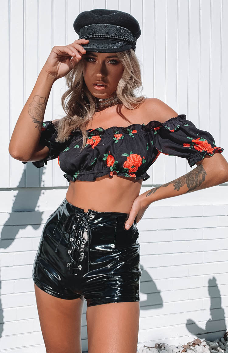 https://files.beginningboutique.com.au/Yoko+Frill+Festival+Crop+Black+Rose.mp4