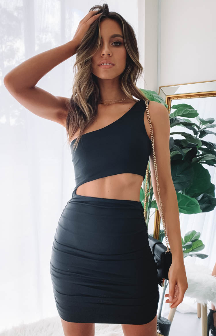 https://files.beginningboutique.com.au/Angelica+One+Shoulder+Dress+Black.mp4