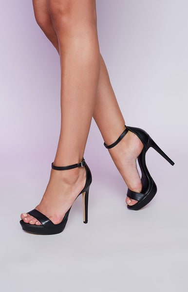 Lipstik Nightly Heels Black