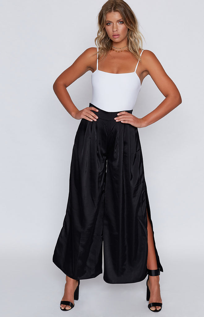 Rendezvous Split Flared Pants Black