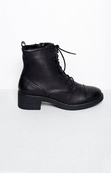 Therapy Axel Boots Black