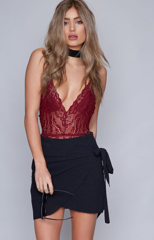 Downtown Lace Bodysuit Burgundy