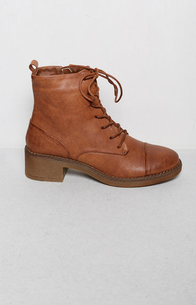 Therapy Axel Boots Tan