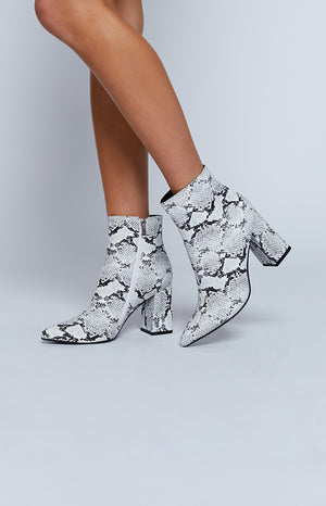 Therapy Alloy Boots Snake