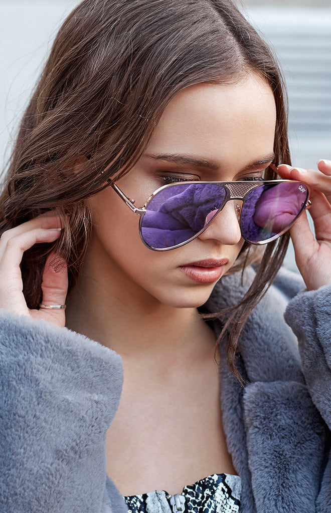 #QUAYXKYLIE Iconic Sunglasses Gold Purple