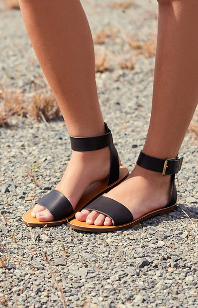 Lipstik Brylee Sandals Black