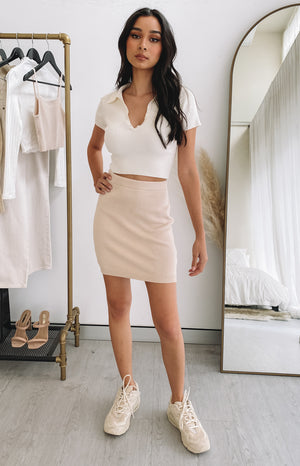 https://files.beginningboutique.com.au/20200727+-+Lola+Knit+Skirt+Cream.mp4