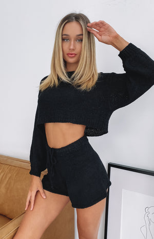https://files.beginningboutique.com.au/20200420-love+game+knit+set+black.mp4