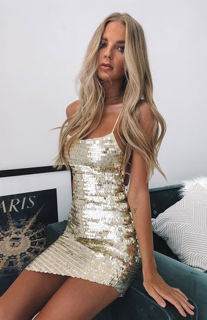 https://files.beginningboutique.com.au/Lacey+Backless+Dress+Champagne+Sequin.mp4