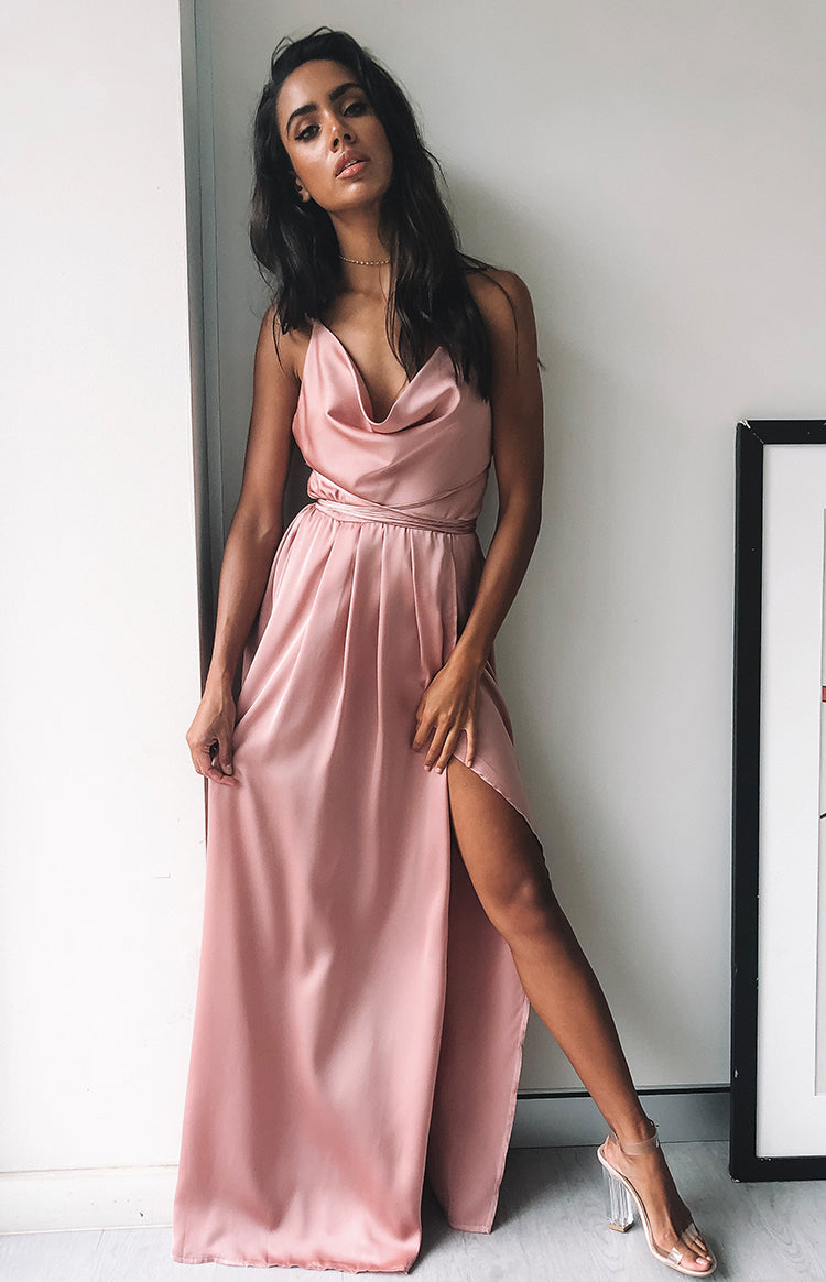 https://files.beginningboutique.com.au/Revive+Maxi+Dress+Blush.mp4
