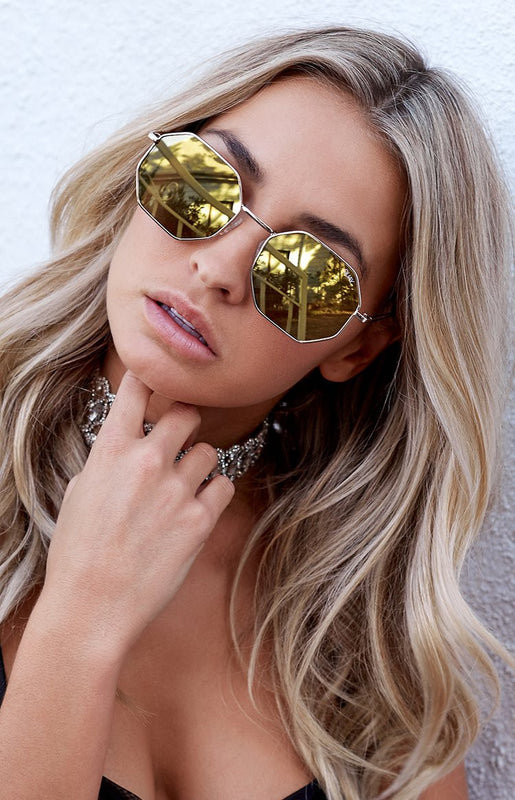 Quay On A Dime Sunglasses Gold