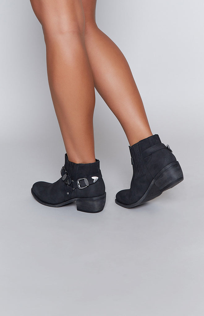 Therapy Shasta Boots Black