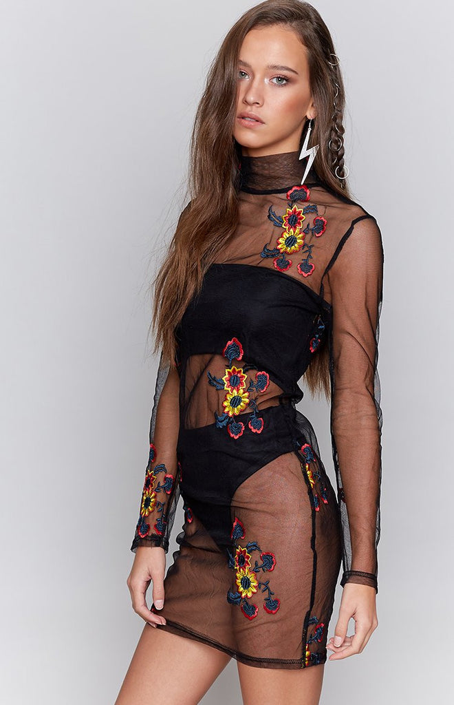 Show Me Dress Embroidered Black