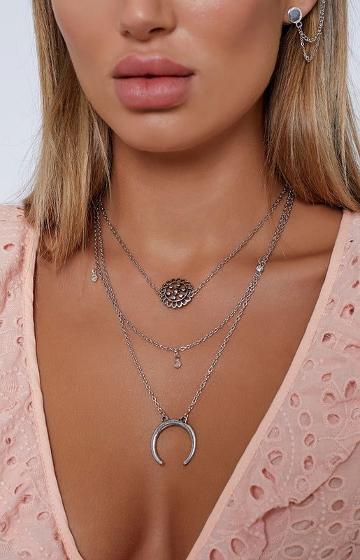 Tribethan Tale Layered Necklace Set Silver