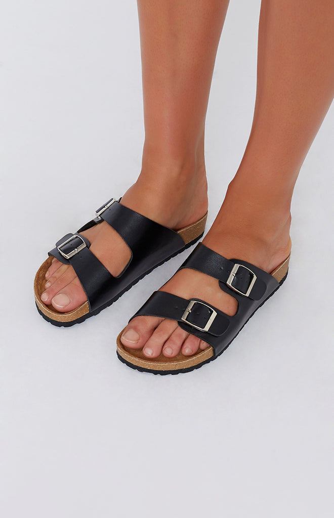 Lipstik Toffee Sandals Black