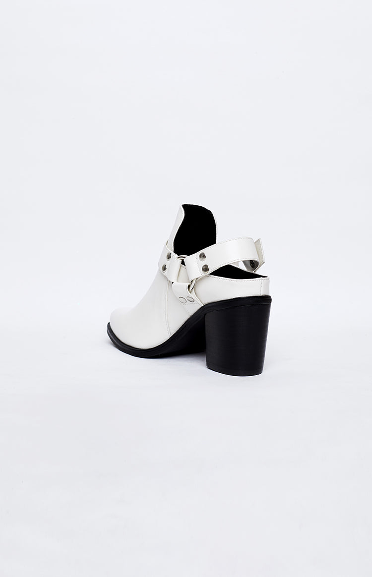 Therapy Marlin Boots White