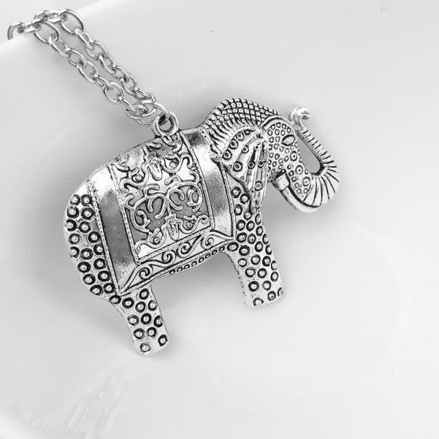 Elephants Pendant Sweet Looking Silver Chain Necklace