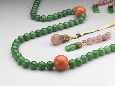 Barbara Hutton's Exceptional Jadeite Bead Necklace of Extreme Importance