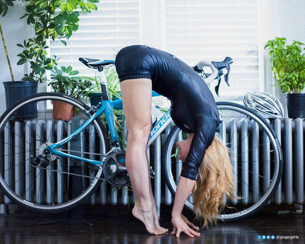 10 minute essential stretch routine for cyclists.