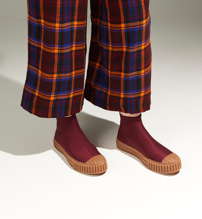 Radical Yes 'Sunny' Boots - Burgundy Neoprene